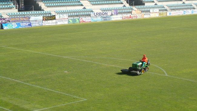 empresa-cesped-campo-futbol