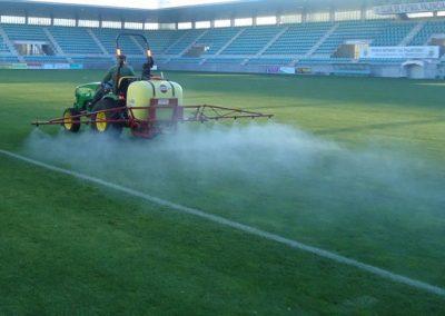 tratamiento-fitosanitario-cesped-futbol
